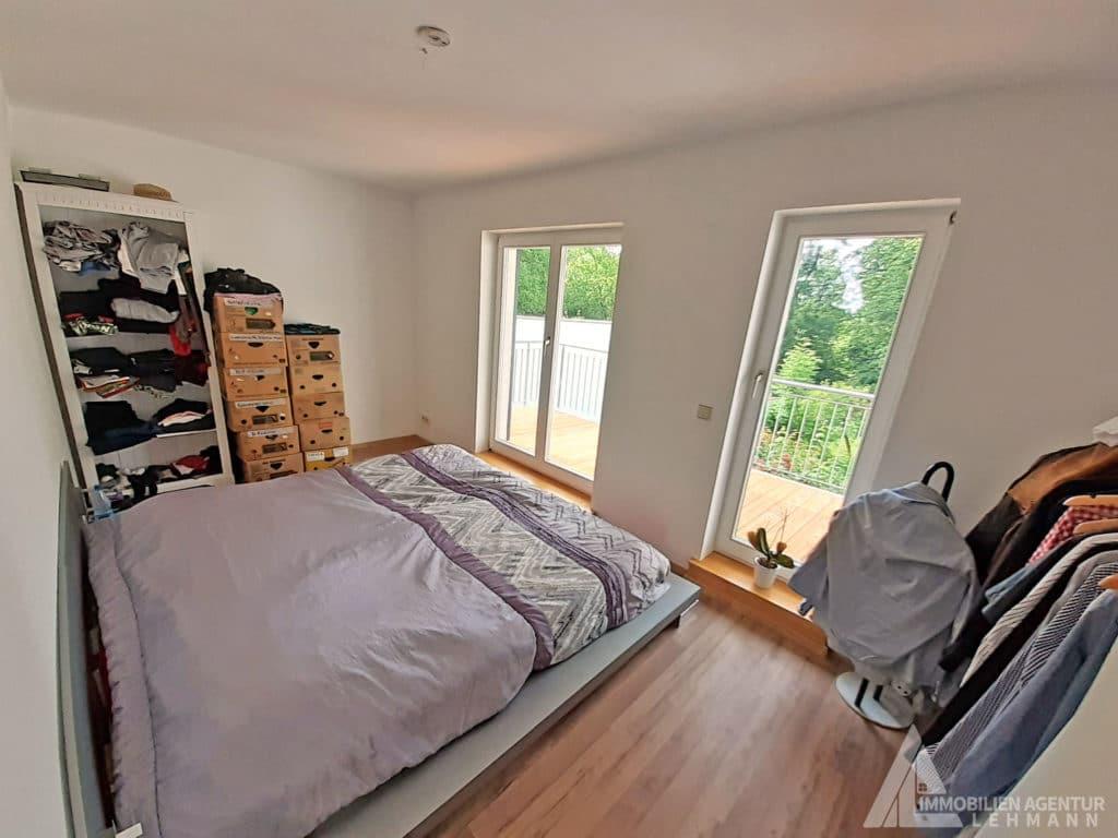 Schlafzimmer-links